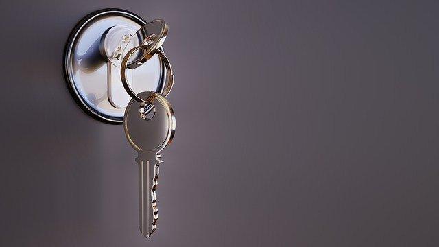 כספת למפתח: חשיבות שמירת מפתחות חשובים בכספת מאובטחת